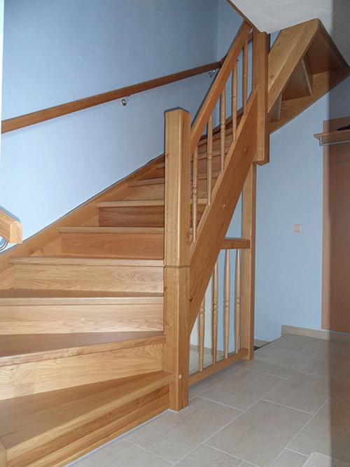 massivholztreppen tischler zwickau sonderanfertigung treppenbau holzbau tischlerei. Black Bedroom Furniture Sets. Home Design Ideas